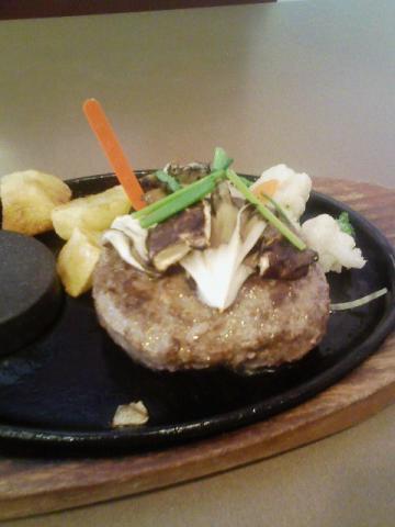 ステーキのどん・極旨挽きのこハンバーグランチ