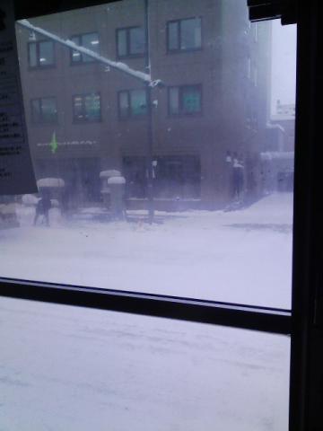 市バスで移動中