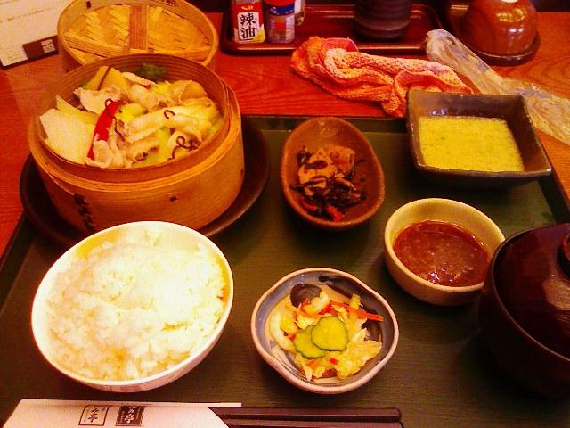 和み亭・蒸し野菜ととろろご飯セット